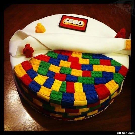 funny-awesome-lego-cake