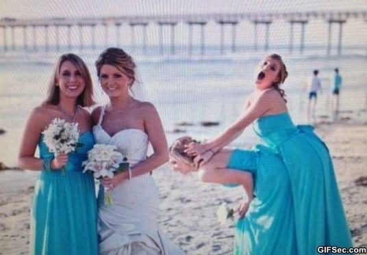 funny-photobomb-level-bridesmaids