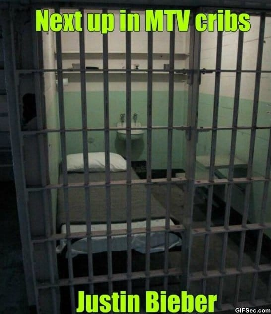 funny-gif-prison-and-justin-bieber