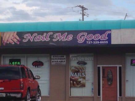 manicure-service-signage