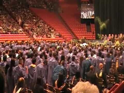 Eastwood High School Graduates Flash Mob Dance During Graduation Ceremony Viral Viral Videos